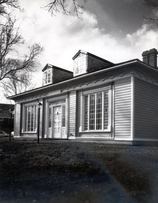 Photograph- Robinson Adamson House-The Grange, Erindale