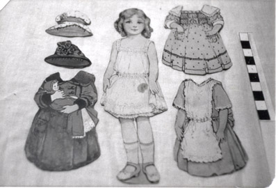 Paper Doll and Costumes 'Elizabeth' 'English'