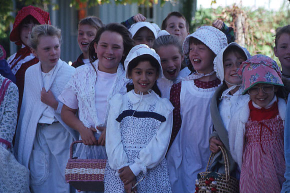 Students in Pioneer Dress