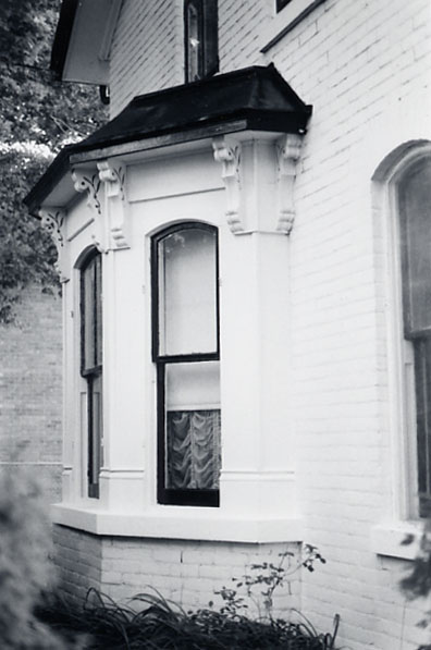 David Tomlinson House, Bay Window, Malton