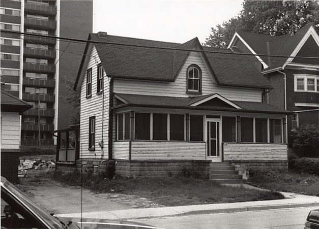 Munday-Mofrad Residence, Port Credit