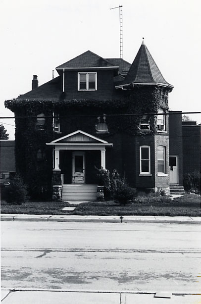 Lynd House, Front Façade, Port Credit