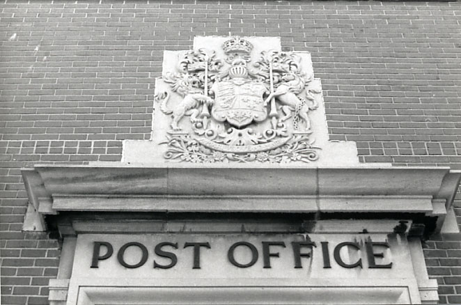 Canada Post Corporation, Crest, Port Credit