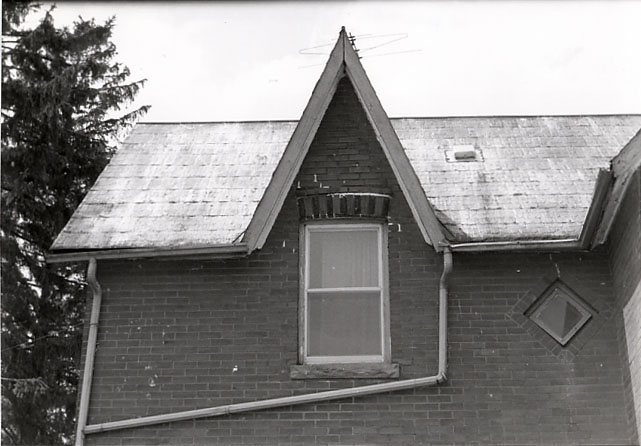 Iannace Residence, Central Gable, Dixie