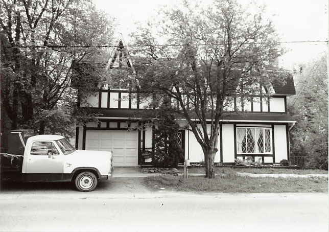 McDonald Residence, Meadowvale Village