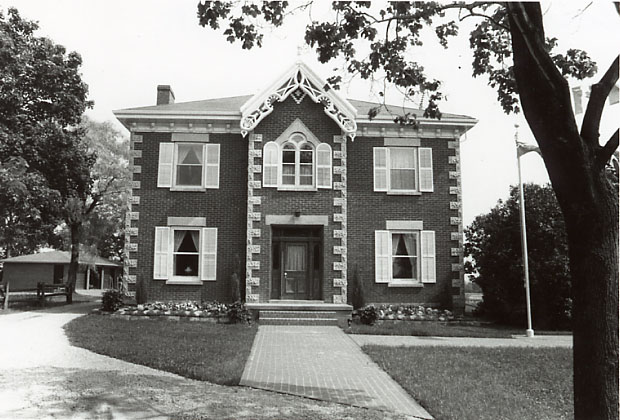 Brown-Vooro House, Derry West, Meadowvale