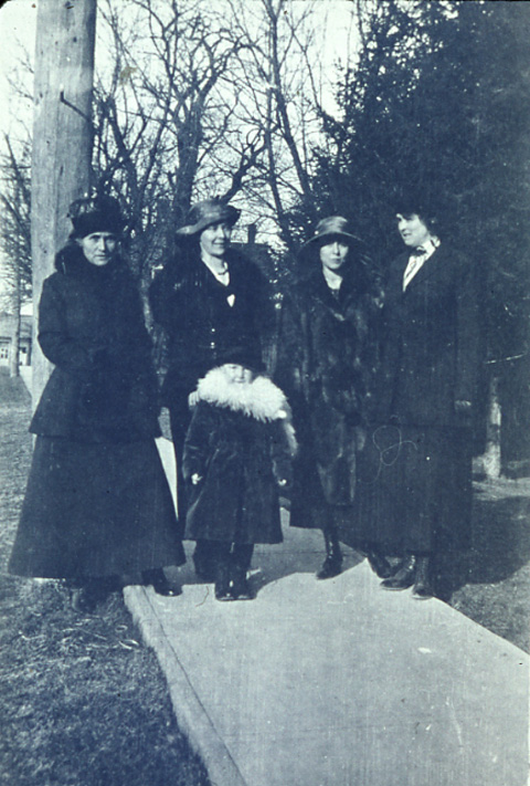 Fanny Graydon, Ena Graydon Clipperton, Irma Clipperton, Evylin Graydon and Cora Falconer