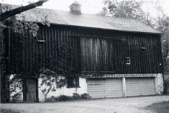 Adamson Estate, Barn, Lakeview