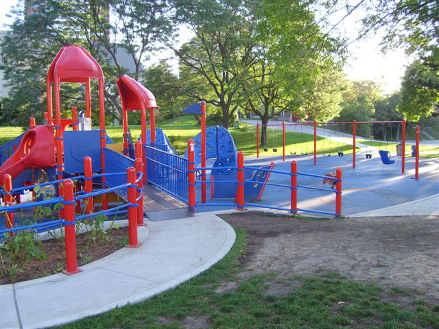 Port Credit Memorial Park Playground