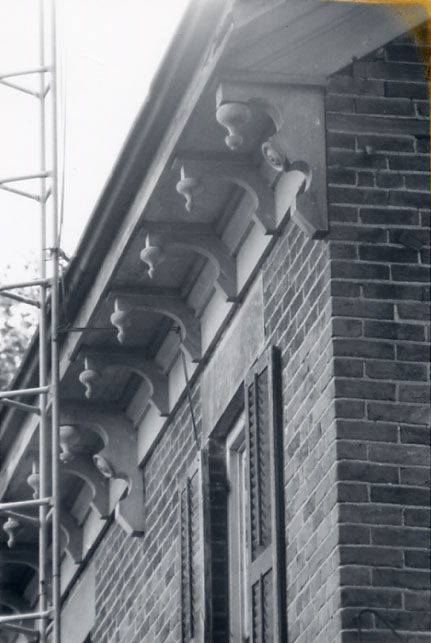 Miller-Chamberlain House, Cornice and Brackets, Meadowvale