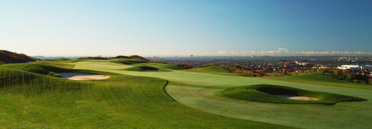 Exterior view of a golf course on a sunny day
